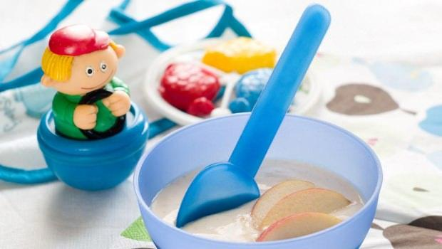 Bebekler için yoğurtlu meyve püre tarifi