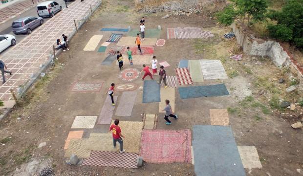 Bakan Kasapoğlu'ndan Yozgatlı çocuklara saha sözü