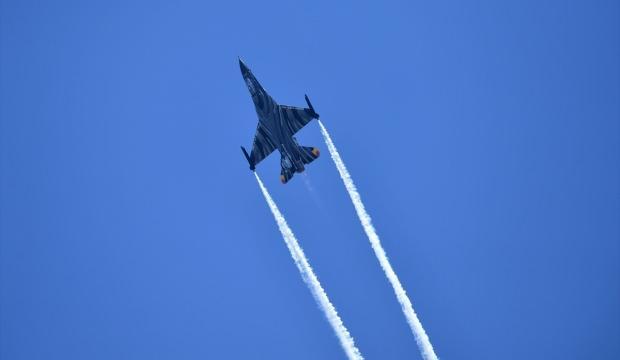 İngiltere'yi paniğe sevk eden olay: Savaş uçakları eşlik etti!