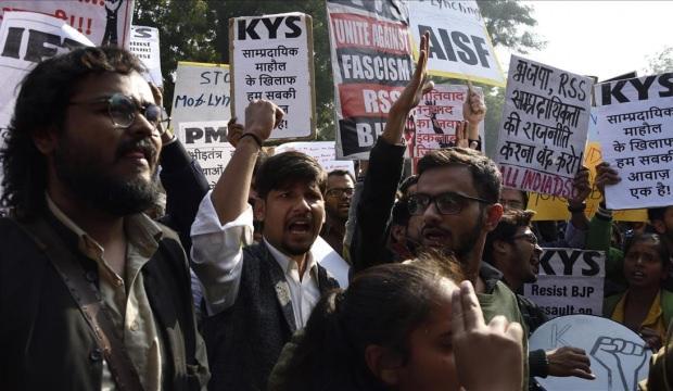 Hindistan'dan İran'a destek! Sokağa çıktılar