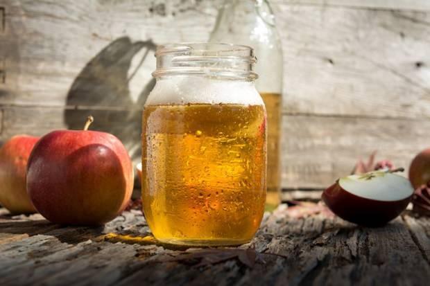 elma sirkesi suyunun saça faydaları