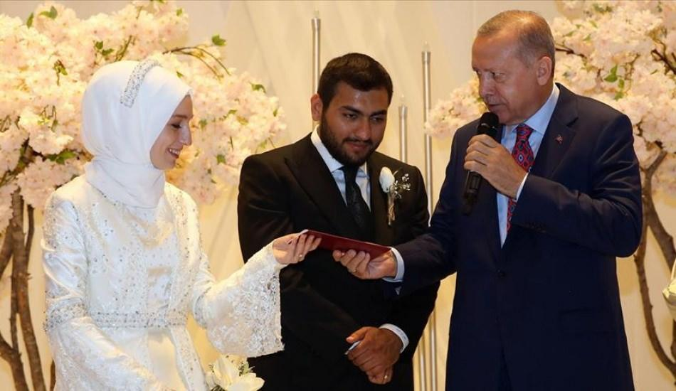 Erdoğan'dan Diyanet İşleri Başkanı Ali Erbaş'ın kızına nikah şahitliği
