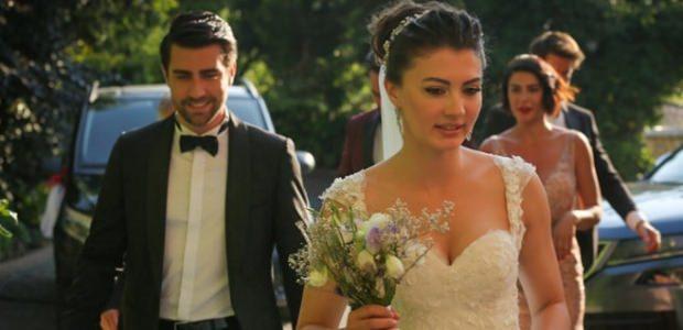 afili aşk Ayşe ve Kerem (Burcu Özberk ve Çağlar Ertuğrul)