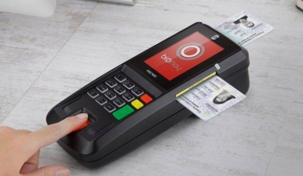 Yeni kimlikler kredi kartı oluyor