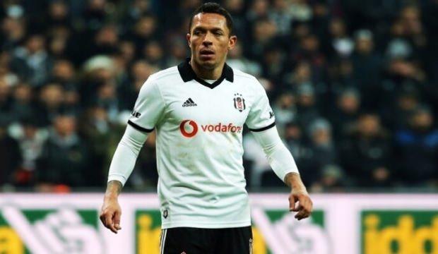 Adriano için Portekiz'den iki talip!