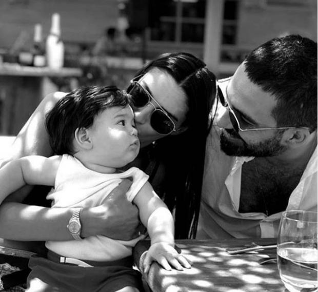 Arda Turan ve ailesi