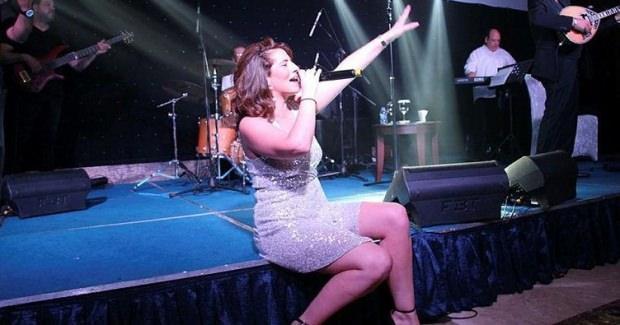 Yunan şarkıcı Anastasia Kalogeropoulou