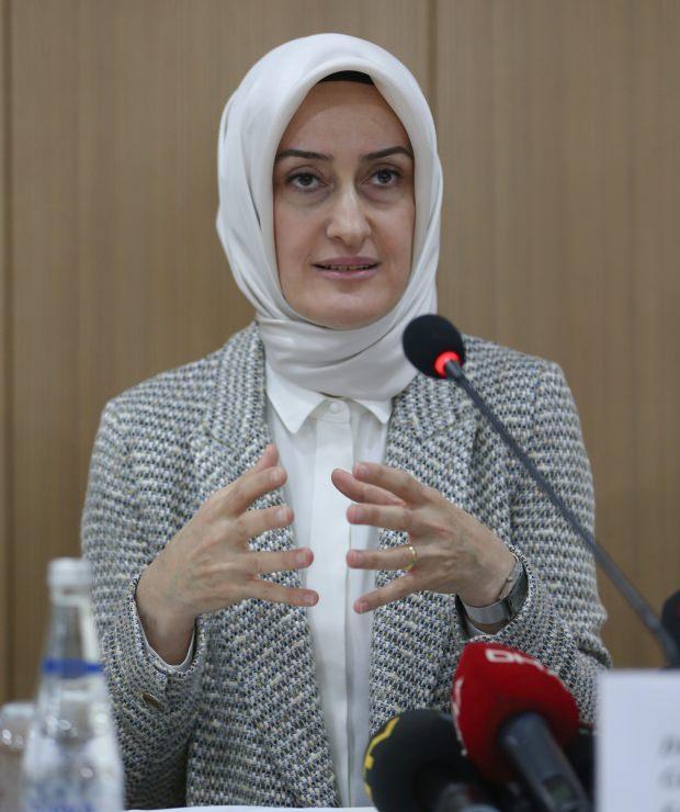 KADEM Genel Başkanı Dr. Saliha Okur Gümrükçüoğlu.