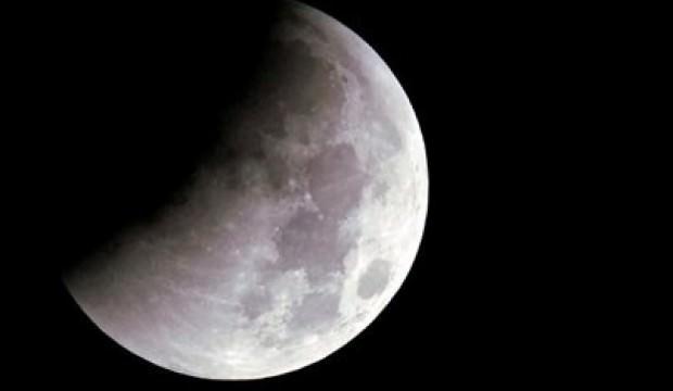 Hindistan Ay kaşifini tanıttı