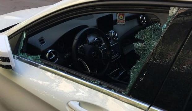 Mahalledeki 15 aracın camlarını kırıp...