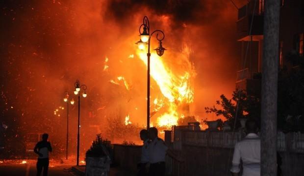 Reyhanlı'da bir apartmanın bodrum katında patlama!