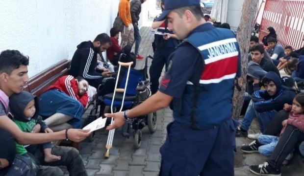 Balıkesir'de 65 göçmen yakalandı
