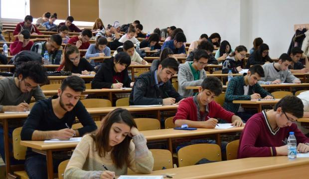 Burs veren üniversiteler tam liste! Karşılıksız burs imkanı
