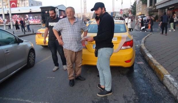 Yayaya çarpıp kaçmaya çalışan taksici yakalandı