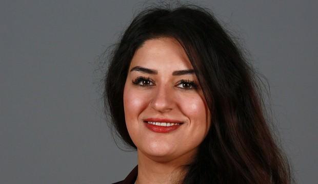 Terör örgütü PKK'nın bayrağını paylaşan Cansu Özdemir yargılanacak