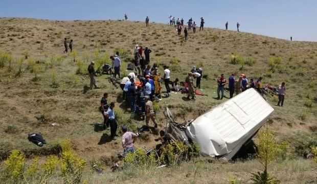 Van'da hayatını kaybeden göçmenlerin cenazeleri 15 gün bekletilecek