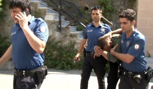 Polis kılığında hırsızlık yapıyorlardı: Vatandaş linç etmek istedi
