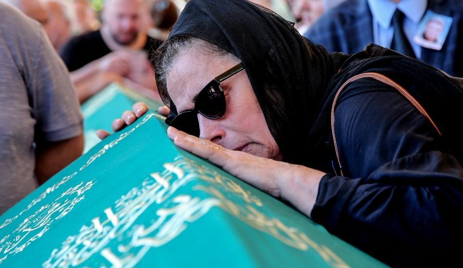 Usta oyuncu Yalçın Gülhan gözyaşlarıyla uğurlandı