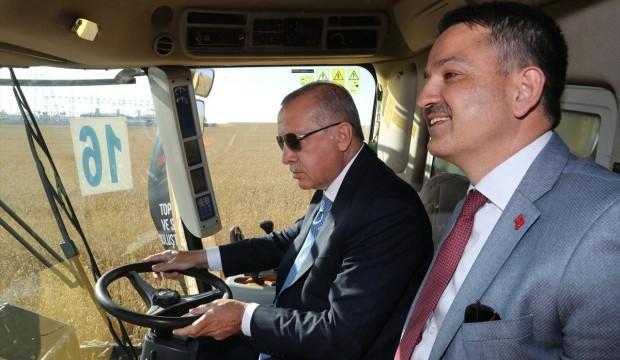 Bakan yerli elektrikli traktör için tarih verdi