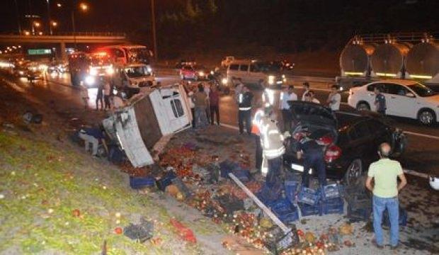 TEM otoyolunda kaza! 2 kişi yaralandı