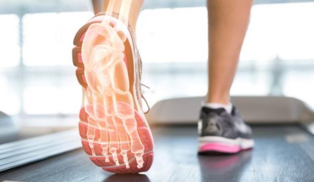 Topuk ağrısı neden olur? Topuk ağrısı nasıl geçer?