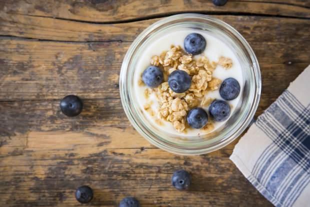 yoğurdun içeriğinde hangi besin öğeleri bulunmaktadır