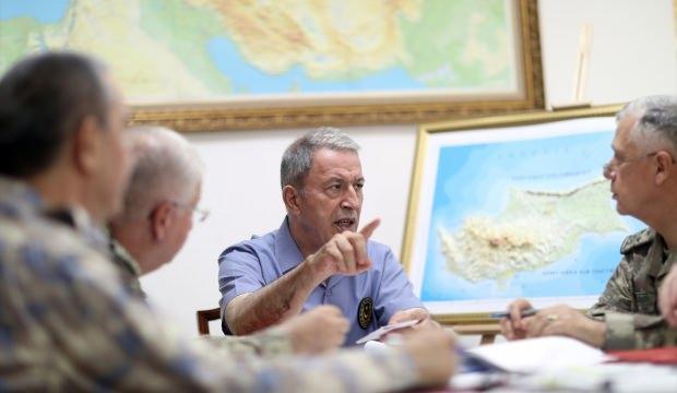 Bakan Akar'dan Kıbrıs resti: Aklınızı başınıza toplayın