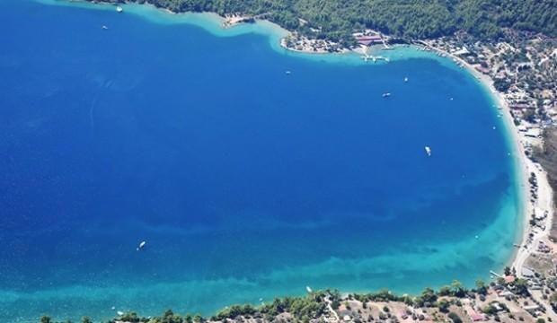 Ege ile Akdeniz, yerli ve yabancı turistle 'bayram' ediyor