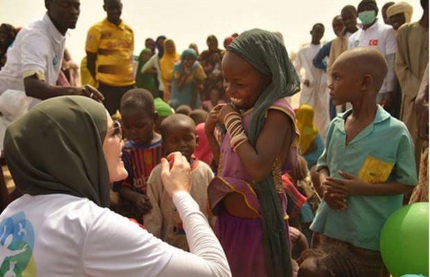 Gamze Özçelik'in Afrika'da açtığı su kuyusu