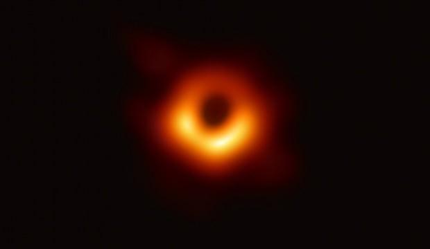 Heyecanlandıran keşif: 40 milyar güneşi yutabilecek büyüklükte
