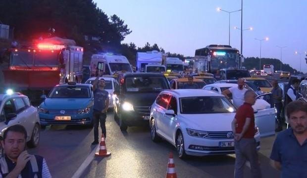 İstanbul Havalimanı yolu trafiğe kapandı