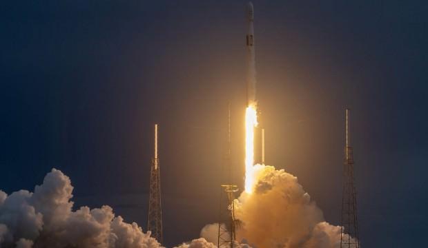 SpaceX uydusu uzaya gönderildi