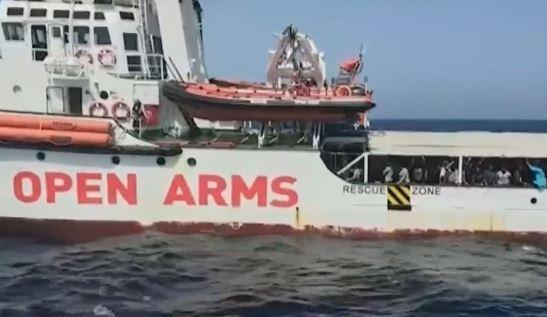 Open Arms göçmen gemisi