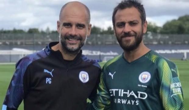 Çukur'un ünlü oyuncusu Manchester City'yle idmana çıktı