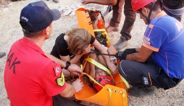 Gözyaşları sel oldu! Genç kız 12 saat sonra kurtarıldı