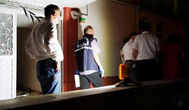 Husumetli komşular arasında satırlı-bıçaklı kavga: 5 yaralı