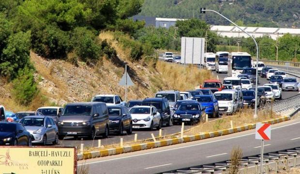 İlçede nüfus 25 kat arttı, araba koyacak yer kalmadı