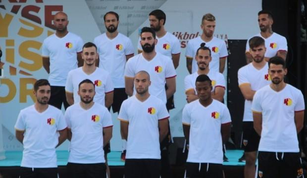 Kayserispor 32 futbolcuya lisans çıkardı