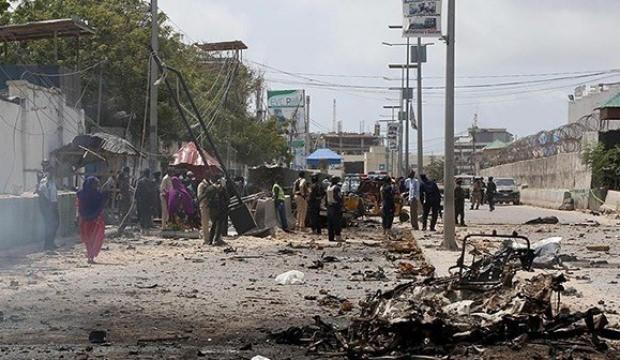 Somali'de askeri üsse bombalı saldırı: Çok sayıda ölü var