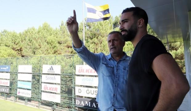 Adil Rami: Fenerbahçe'den çok etkilendim