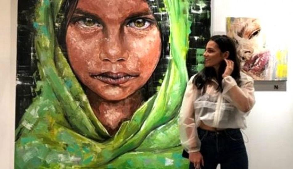 Genç Ressam Sinem Demirci kadın çizimleriyle beğeni topluyor!