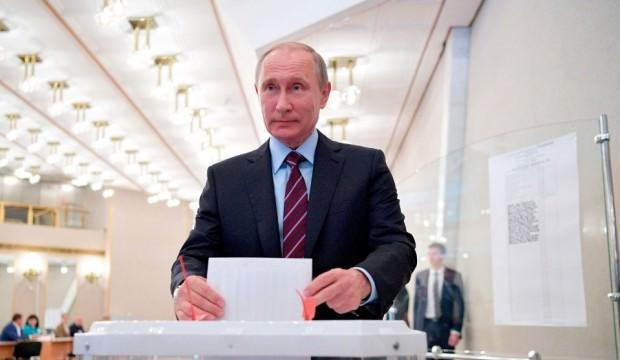 Rusya yerel seçimler için sandık başında!