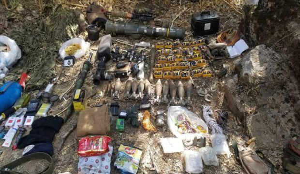 Teröristlere ait yaşam malzemesi ele geçirildi
