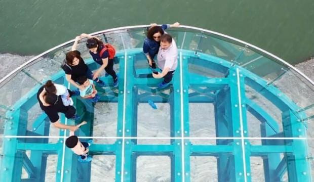 Türkiye'nin en uzunu! Yerli yabancı turist akın ediyor