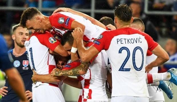 Vida oynadı, Hırvatlar Slovakya'ya gol yağdırdı!