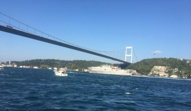 ABD askeri gemisi İstanbul Boğazı'ndan geçti
