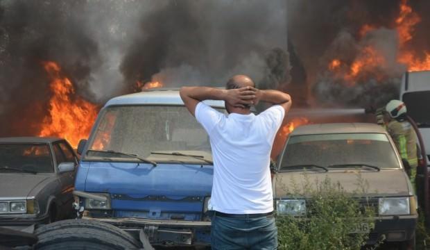 Otoparkta büyük yangın: Art arda patlama sesleri