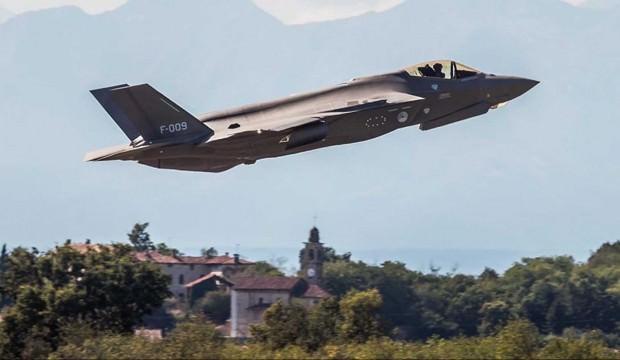 F-009 kuyruk numaralı F-35 gökyüzüyle buluştu