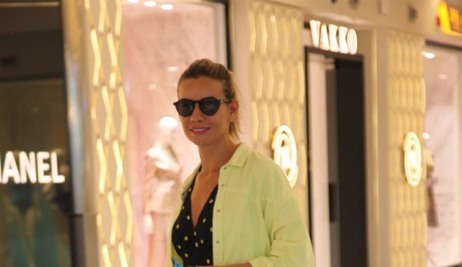 Esra Erol oğulları için tek başına alışverişe çıktı!