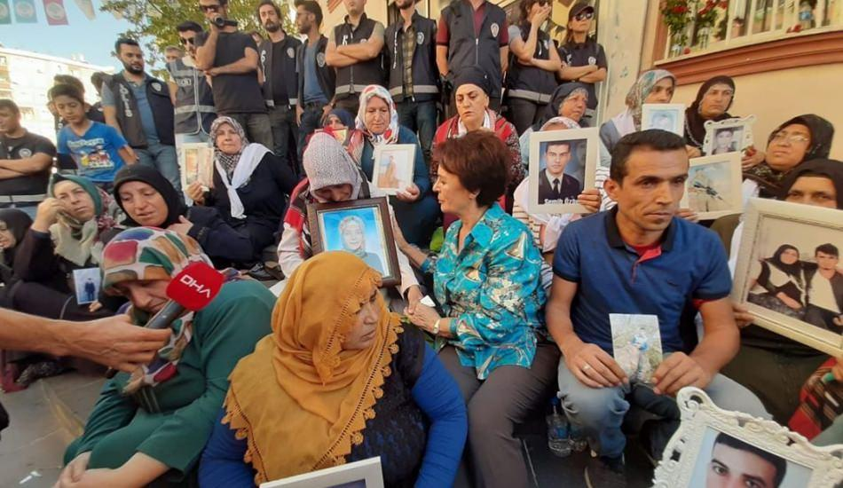 Sanatçılar Diyarbakır Anneleri'nin yanında!